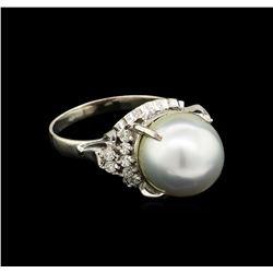 0.31 ctw Pearl and Diamond Ring - Platinum