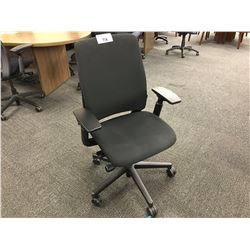 STEELCASE AMIA BLACK FULLY ADJUSTABLE MULTILEVER ERGONOMIC TASK CHAIR