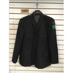 HEAVY WEIGHT CANADIAN NAVY COAT (MEN'S SIZE M) *CANADIAN PATCH ON SHOULDERS*