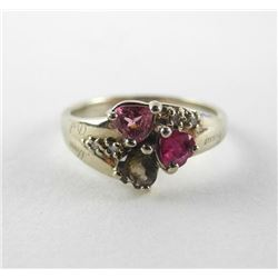 Ladies 10kt Gold Estate Ring Garnet and Diamonds