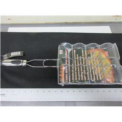 New BBQ/Camping  Corn on the Cobb Roasting Basket / holds 4 /  locks secure