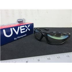 2 New UVEX by Honeywell Safety Glasses /model S0604X Seismic black frame