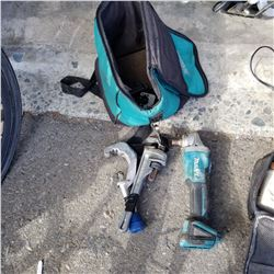 MAKITA CORDLESS GRINDER AND 2 PIPE CUTTERS IN MAKITA BAG