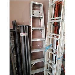 8FT ALUMINUM A-FRAME LADDER