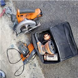 LOT OF RIDGID CORDLESS SAW W. BATTERY AND CHARGER AND CORDED SANDER IN BAG
