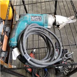 MAKITA NIBBLER TESTED AND WORKING