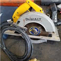 "DEWALT 8-1/4"" CIRCULAR SAW TESTED AND WORKING"