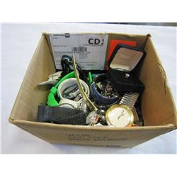 BOX OF VARIOUS JEWELERY AND WATCHES
