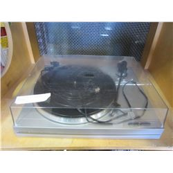 SANYO TP 240 AUTO RETURN TURNTABLE
