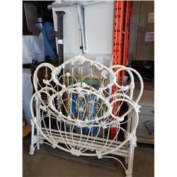 2 DOUBLE SIZE WHITE METAL HEADBOARD AND FOOTBOARDS AND 1 SET OF RAILS