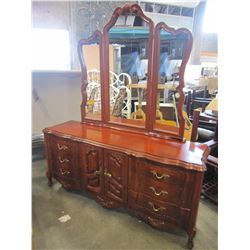 FRENCH PROVINCIAL 6 DRAWER DRESSER W/ MIRROR