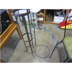 GREEN METAL SIGN HOLDER AND METAL PLANT STAND
