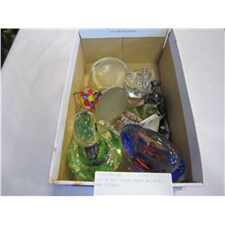 LOT OF ART GLASS PAPER WEIGHTS AND FIGURES