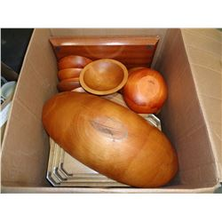 BOX OF WOOD BOWLS