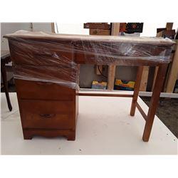 wood 3 Drawer Desk 40 * 16