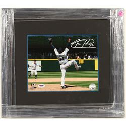 Felix Hernandez Autographed Photo  (100313)