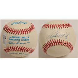 Ken Griffey Jr.autographed Baseball  (100280)