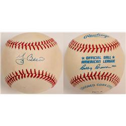 Yogi Berra signed Baseball  (104602)