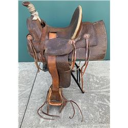 Visalia D.E. Walker Saddle  (88503)