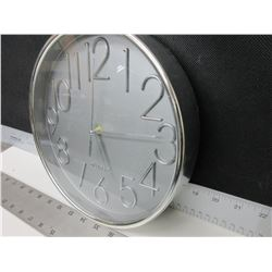 "Quartz Wall Clock 10"" / chrome"