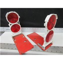 2 Roadside Folding Safety Reflectors double sided lenses / be safe