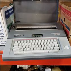 SMITH CORONA SD 650 ELECTRIC TYPEWRITER