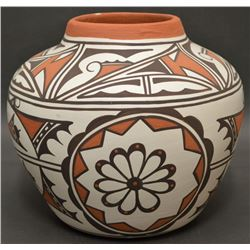 ZUNI INDIAN POTTERY OLLA (HAJOO)
