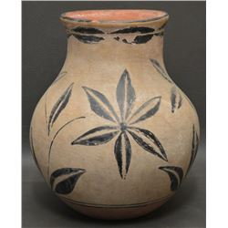 SANTO DOMINGO INDIAN POTTERY JAR