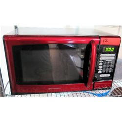 Red Emerson 900 Watt Microwave Oven