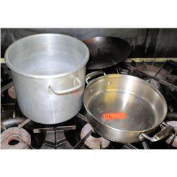 Qty 2 Misc Pots & Pans - Large Sauce Pot & Sauté Pan w/ Handles