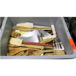 Bin Multiple Misc Utensils - Wooden Spoons, Wood & Plastic Spatulas, etc