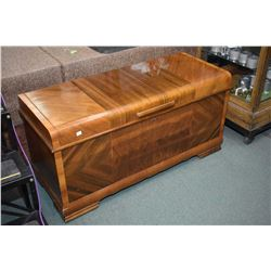 Lane cedar lined mahogany trunk with flip up tray in lid