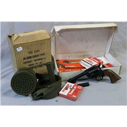 Vintage Federal Electric Company Inc. Siren Alarm in original box and a Crossman Peacemaker 44 Pelle