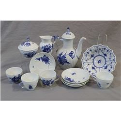 Royal Copenhagen tea service with teapot, four tea cups and saucer, lidded sugar bowl and creamer pl