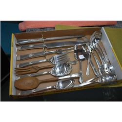Selection of sterling silver Northumbria serving pieces to match lot 147 including carving set with