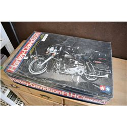 Unassembled plastic model kit of a FLH Classic Harley Davidson in a large 1/6th scale