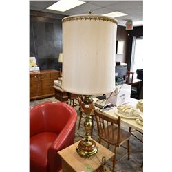 1970s quality brass table lamp
