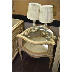 Fancy three sided side table / display vitrine