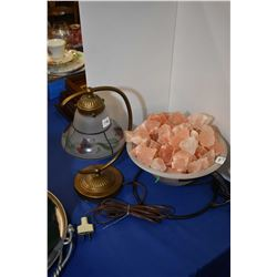 Two accent lamps including on Himalayan salt lamp
