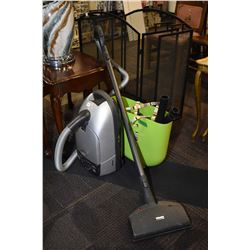 Mielle Platinum vacuum cleaner with attachments