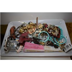 Selection of vintage costume jewellery Selection of vintage costume jewellery including brooches, br