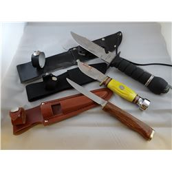 3 assorted hunting knives