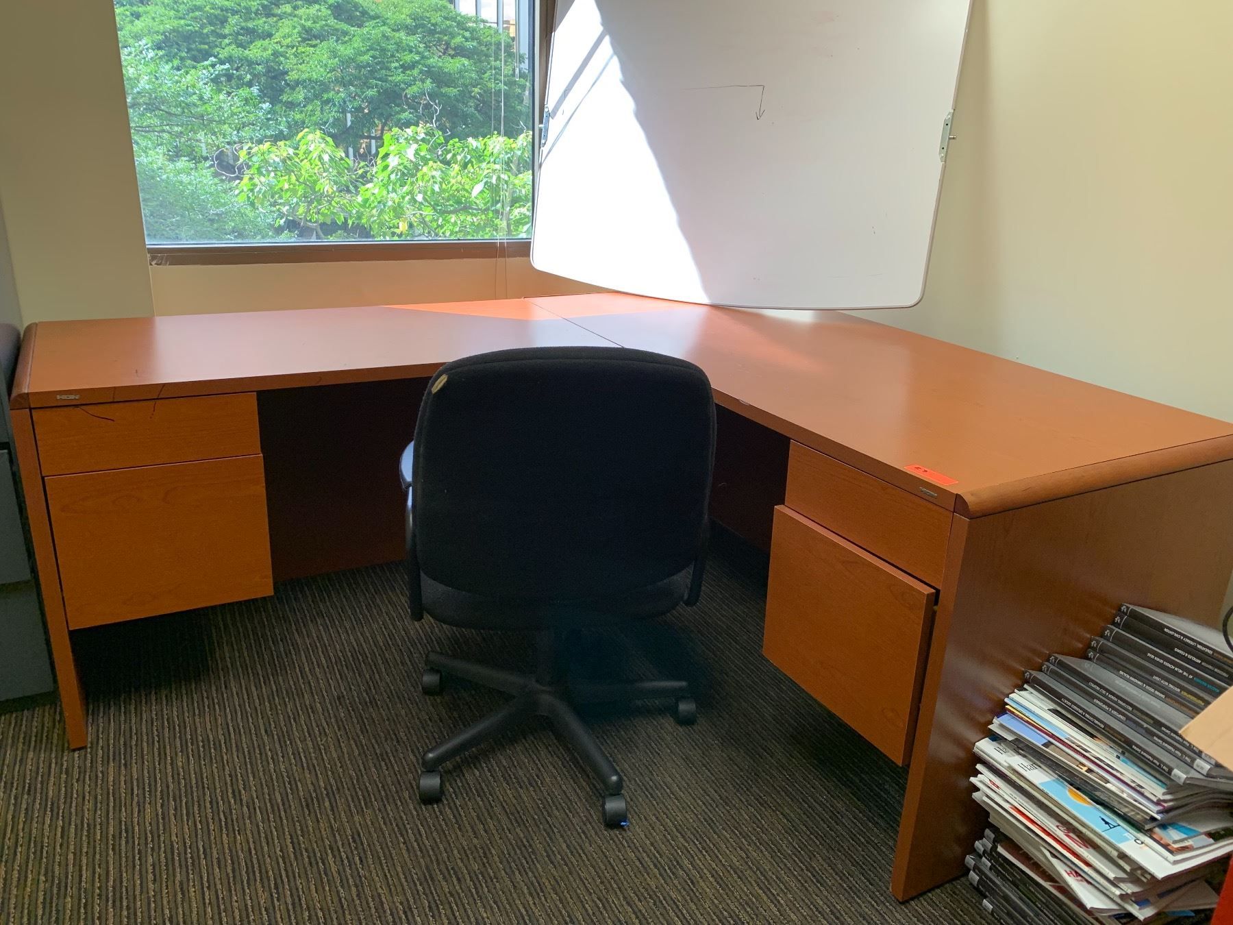 Wooden Hon Desk Office Chair Oahu Auctions
