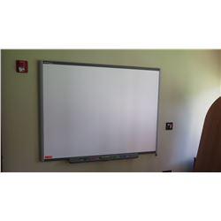 """Smart Board 64.5"""" x 50"""""""