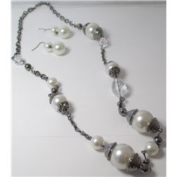 Faux Pearl Fashion necklace with earrings