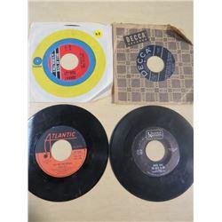 LOT OF RECORDS (SIZE 45) *JOHNNY HORTON, BING CROSBY, GEORGE JONES & RICK ROBERTS*