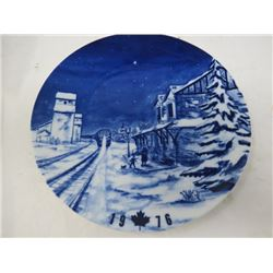 DECORATIVE PLATE (CANADA CHRISTMAS) *1976* (LIMITED EDITION)