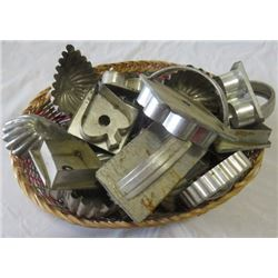 LOT OF TIN COOKIE CUTTERS
