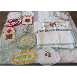 LOT OF 10+ DOILIES AND EMBROIDERED COTTON
