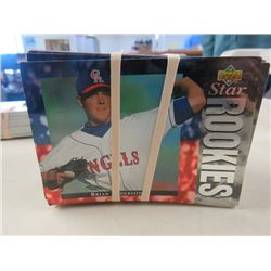 LARGE LOT OF ASSORTED BASEBALL CARDS  (1994-95 UPPER DECK, PLUS MANY MORE, ETC..)